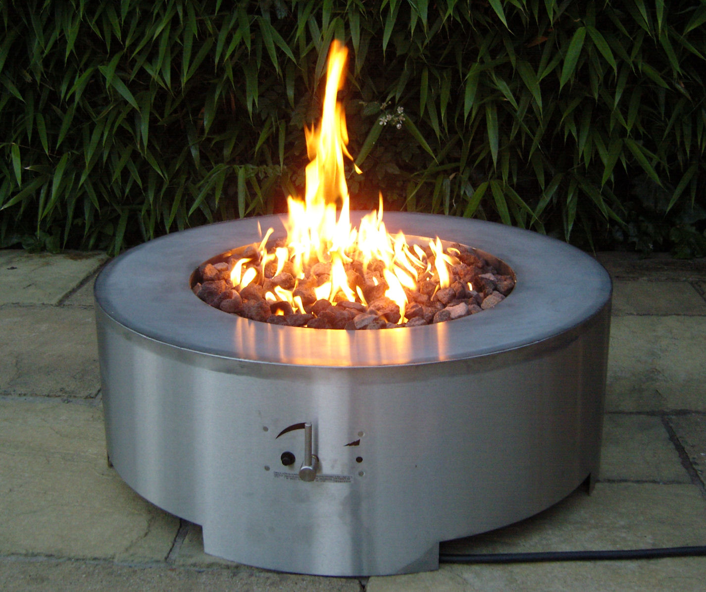 arcturus round firepit table gas fire pits. Black Bedroom Furniture Sets. Home Design Ideas